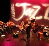 6-Strings-the-Beat-Derby-Jazz-premier-2007.-By-Ian-Kayes